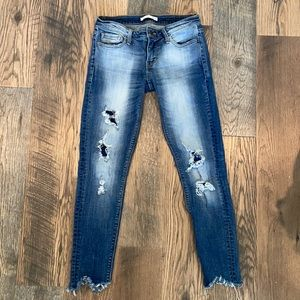 Distressed Daytrip Jeans